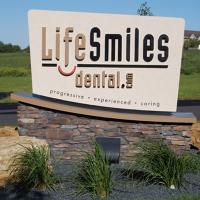 Logo for LifeSmiles Dental