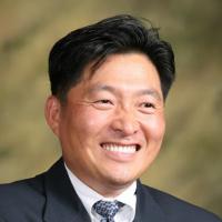 Photo of Dr. Mark C. Choe