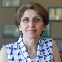 Photo of Dr. Touran Davoudi