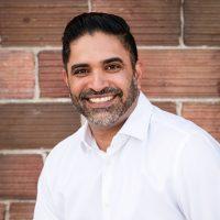 Photo of Dr. Vikram Grewal