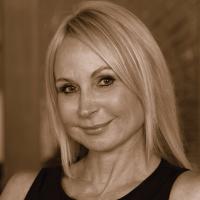 Photo of Dr. Sherri Hill