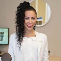 Photo of Dr. Kayla Le'bo