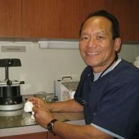 Photo of Dr. Robert Kimura
