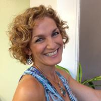 Photo of Dr. Julie Ann Royal