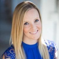 Photo of Dr. Lindsay Davidson